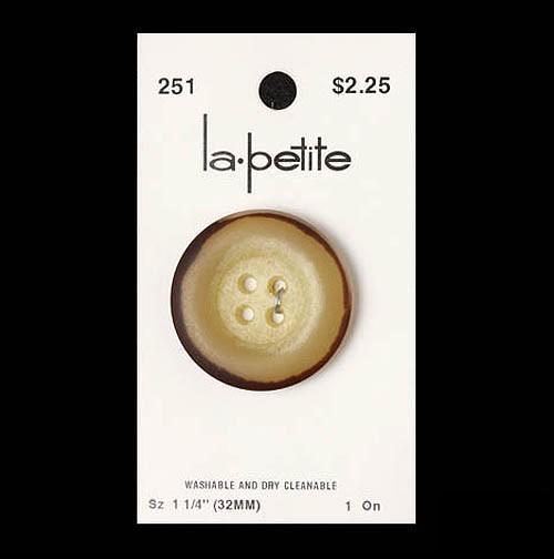 Lapetite0251_1